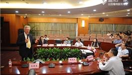 美国联盟医疗体系副总裁访问朝阳医院(2014.6)