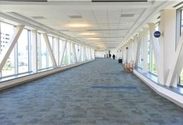 MD Anderson建筑间连接长廊