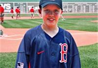 勇敢抗击癌症的小小运动员