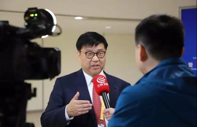 w66網址出席中美省州經貿合作論壇,助力海南自由貿易港建設7.jpg
