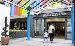 8年·印记 | 英国GOSH儿童医院祝贺盛诺一家8周年(视频)