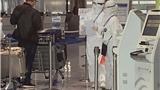 疫情下,日本东京成田机场的一次普通送机