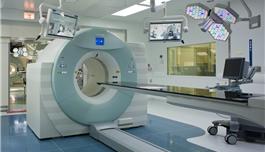 全球唯一的高级多模式影像引导手术操作系统(AMIGO)
